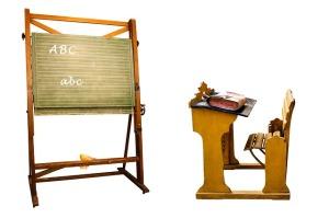 Pixabay, easel blackboard, classical school desk